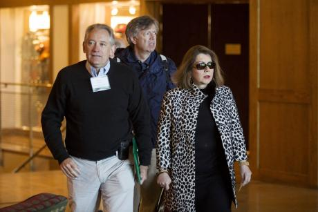 Federal Reserve Bank of New York Vice President Simon Potter (L), Carmen Reinhart, Harvard University Professor of the International Financial System (R) and her husband Vincent attend the Federal Reserve Bank of Kansas City's annual Jackson Hole Economic Policy Symposium in Jackson Hole, Wyoming August 28, 2015. REUTERS/Jonathan Crosby